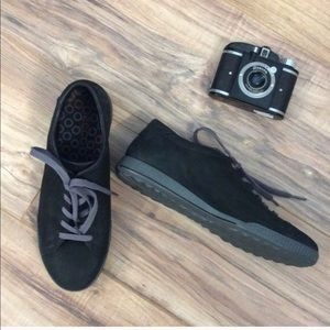 NWOT Ecco Suede Shoes/Sneaker Size 8, or 38